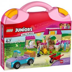 LEGO Juniors 10746 Mia's Farm Suitcase