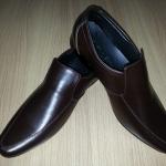รองเท้าหนังแท้ผู้ชาย-หญิง หัวแหลม หนังสีชอคโกแลต แบบไม่ผูกเชือก ไซส์ 36-47
