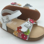 รองเท้าเพื่อสุขภาพเด็กหญิง รุ่น C0308 WHITE