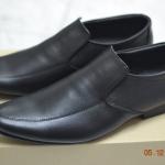 รองเท้าหนังแท้ผู้ชาย-หญิง หัวแหลม หนังสีดำ แบบไม่ผูกเชือก ไซส์ 36-46