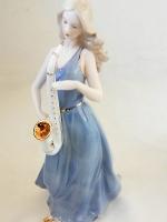 ตุ๊กตาตกแต่งบ้านวินเทจ หญิงสาวเป่าแซกโซโฟน