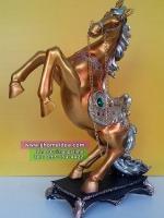 ของมงคลเสริมดวงให้มีอำนาจความสำเร็จ ม้าเรซิ่นสีทองตั้งโต๊ะตกแต่งบ้าน