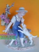 ตุ๊กตาเรซิ่นประดับบ้านสไตล์วินเทจ รูปเด็กผู้ชายนั่งเล่นกับหมาน้อย