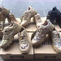 รองเท้าเดินป่า New Magnum