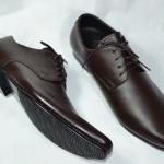 รองเท้าหนังปลายแหลม สีน้ำตาลเข้ม (Dark Brown)